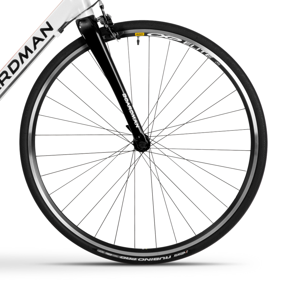 Boardman SLR 8.9 Alloy Road Bike - Close-up of Wheelset