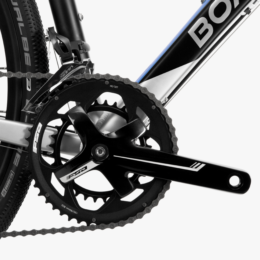 Boardman ADV 8.8 Adventure Bike - Close-up of Groupset