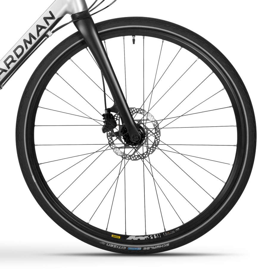 Boardman HYB 8.8 Hybrid Bike - Close-up of Wheelset