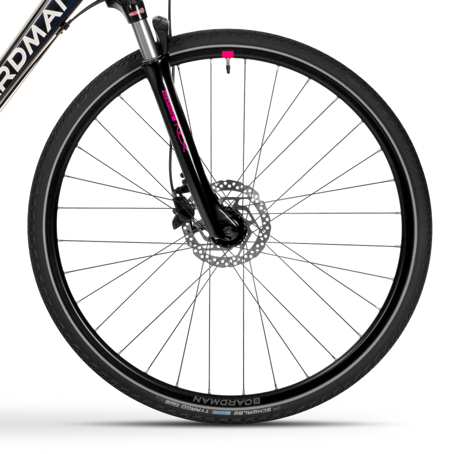 Boardman MTX 8.8 Womens Hybrid Bike - Close-up of Wheelset
