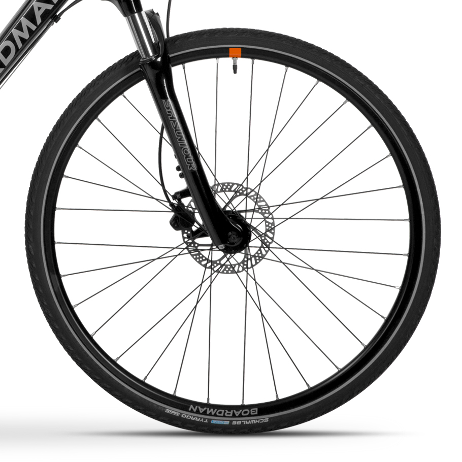 Boardman MTX 8.6 Mountain Bike - Close-up of Wheelset
