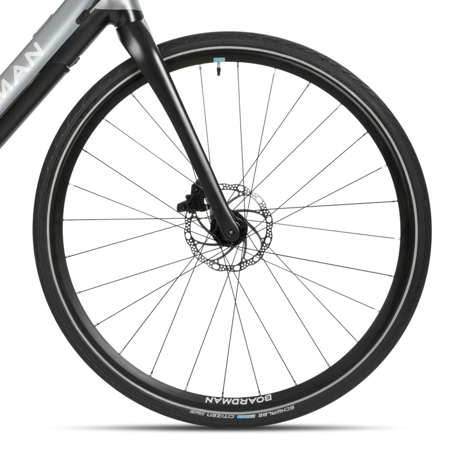 Boardman HYB 8.9 E Hybrid Bike - Close-up of Wheelset