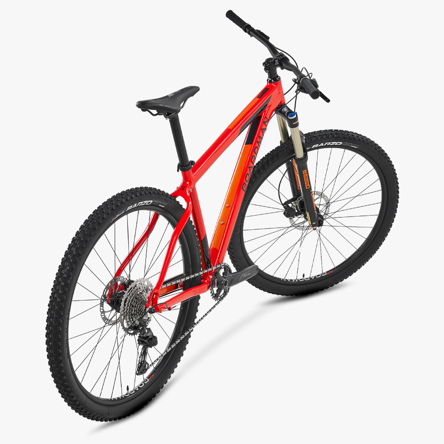 Boardman MHT 8.6 Hardtail Mountain Bike - Oblique An